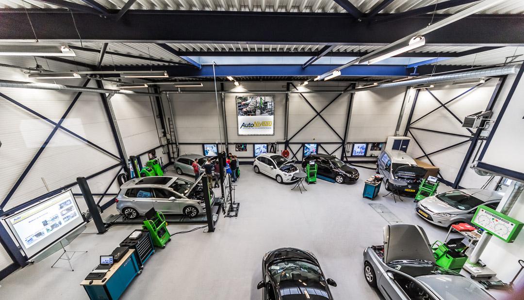 Bedrijfsreportage overzicht Auto techniesche opleiding